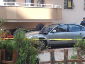 Kayseri'de Komşusunun Evinden Ölüme Atladı