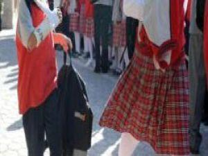 Okulda &#39namus&#39 için 1 metre