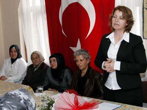 AK Parti Pınarbaşı Kadın Kolları Başkanı Polat güven tazeledi