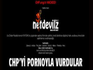 CHP&#39nin sitesini hackleyip pornoyla vurdular