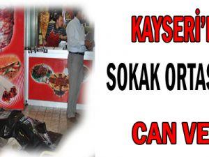 KAYSERİ&#39DE SOKAK ORTASINDA CAN VERDİ