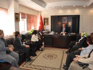 İl Milli Eğitim Müdürü İbrahim Ceylan ziyaret edildi SEÇİLMİŞ KADINLARDAN NEZAKET ZİYARETİ