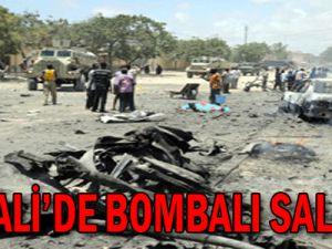 Somali&#39de bombalı saldırı
