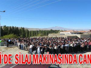 Kayseri'de Silaj Makinasında can pazarı