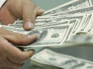 Dolar yeni haftaya tarihi rekorla başladı