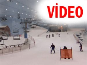 Çölün ortasında kayak pisti! - Video