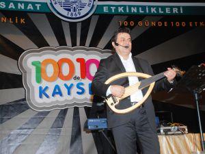 100de100Kayseri etkinlikleri Coşkun Sabah konseri ile devam etti UDUYLA BÜYÜLEDİ, SESİYLE MEST ETTİ