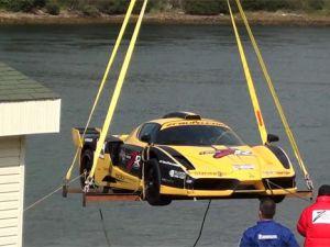 2,3 milyon dolarlık Ferrari&#39nin kaza anı görüntülendi