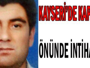Kayseri&#39de Evinin Kapısı Önünde Eşine Hakkını Helal Et Dedi Öldü