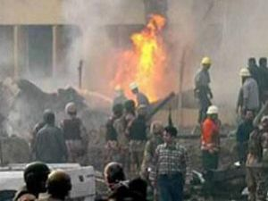 Irak&#39ta askeri otobüse bombalı saldırı: 15 ölü