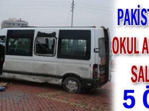 Pakistan&#39da okul aracına saldırı: 5 ölü