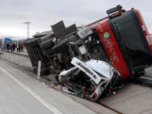 Manisa&#39da trafik kazası: 2 ölü