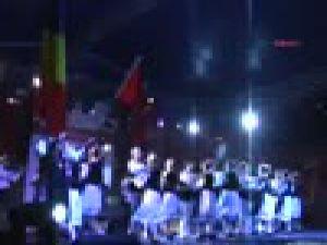 Sivas&#39taUluslararası Halk Oyunları Gösteri Yaptı
