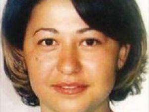 Almanya&#39da Eşi Tarafından Boğularak Öldürülen Derya ve bebeğine veda