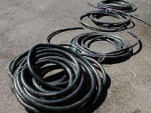 Kayseri&#39de Hırsızlar Telefon Kablosu Çaldılar