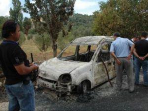 Taksiciyi öldürüp, aracını yaktılar