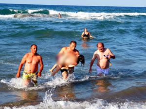 Gurbetçi ailenin iki kızı denizde boğuldu