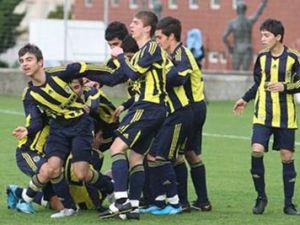 Şaka şike Değil Fenerbahçe  Manchester unıdet&#39ı  dağıttı  6.1 yendi.