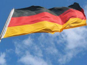 Almanya&#39da özel uçak düştü: 2 ölü