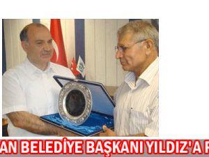 Kocasinan belediye Başkanı Bekir yıldız&#39a plaket