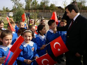 Vali Düzgün'ün 2013-2014 Eğitim Öğretim Yılı Mesajı: