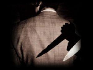 Karısının sevgilisini vahşice öldürdü