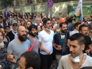 Gezi Parkı eylemlerine sanatçı gözüyle bakış!