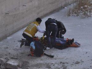 Kayseri'de kaza sonrası camdan uçan yolcu