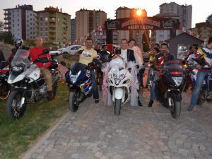 KAYSERİ'DE MOTOSİKLETLİ DÜĞÜN KONVOYU
