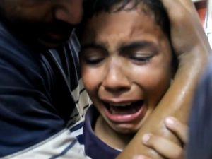 Spiker canlı yayında gözyaşlarını tutamadı - VİDEO