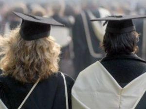 4 milyon üniversiteliyi harç telaşı sardı