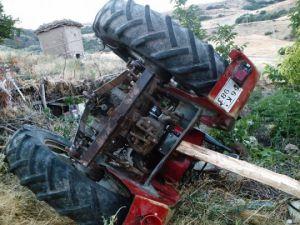Dadağı Köyü'nde Traktörünün Altında Kalarak Can Verdi