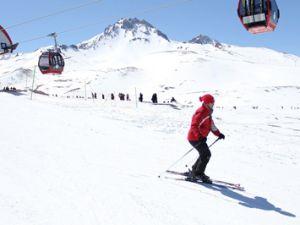 Erciyes Dağı Kayak Merkezi'nde Ücretsiz Eğitim