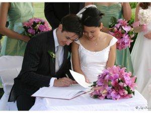 Kayseri'de iki kişiyi evlenme vaadiyle dolandırdı
