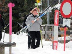 Alman Merkel kayak kazasında yaralandı