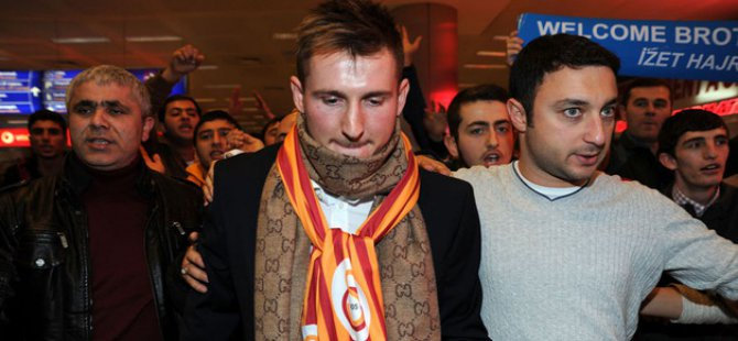 Galatasaray'ın yeni transferi Fatiha ve 4 dil..