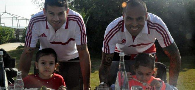 Kayserispor'un futbolcuları aileleri ile hasret giderdi