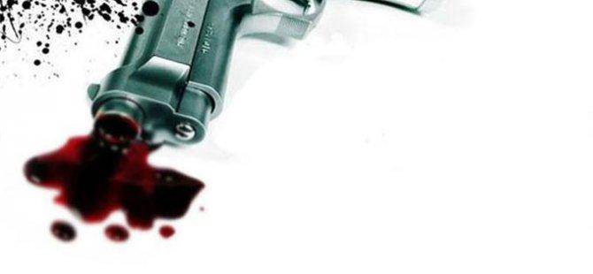 Polis memuru dehşet saçtı eşini başından vurdu