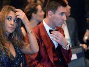 Messi'nin takım elbisesinin fiyatı dudak uçuklattı