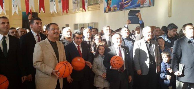 Özhaseki Beyazşehir'de spor salonu açılışı yaptı
