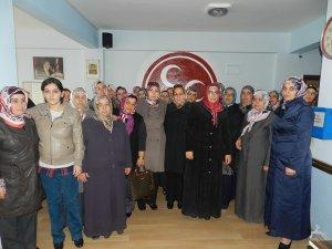 MHP DEVELİ'DE 2.DEPREM KADIN KOLLARI 140 KİŞİ İLE İSTİFA ETTİ