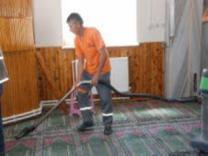 Melikgazi Belediyesi Camileri Temizliyor