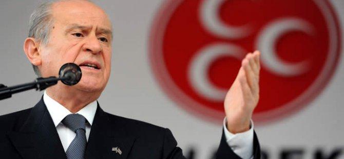 Bahçeli Türkiye yolsuzluğun rüşvetin adete cirit attığı...