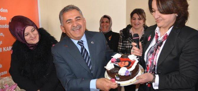 Kayseri Ak Parti İl Kadın kolları Sabah Kahvesinde buluştu