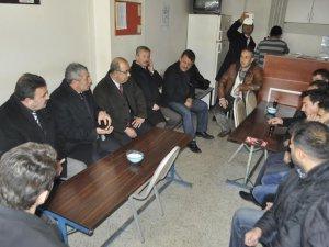 MHP ADAYLARI SAHABİYE VE HELVACIDEDE ESNAFINI ZİYARET ETTİ