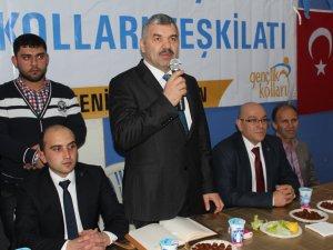 Mustafa Çelik, gençlerle bir araya geldi