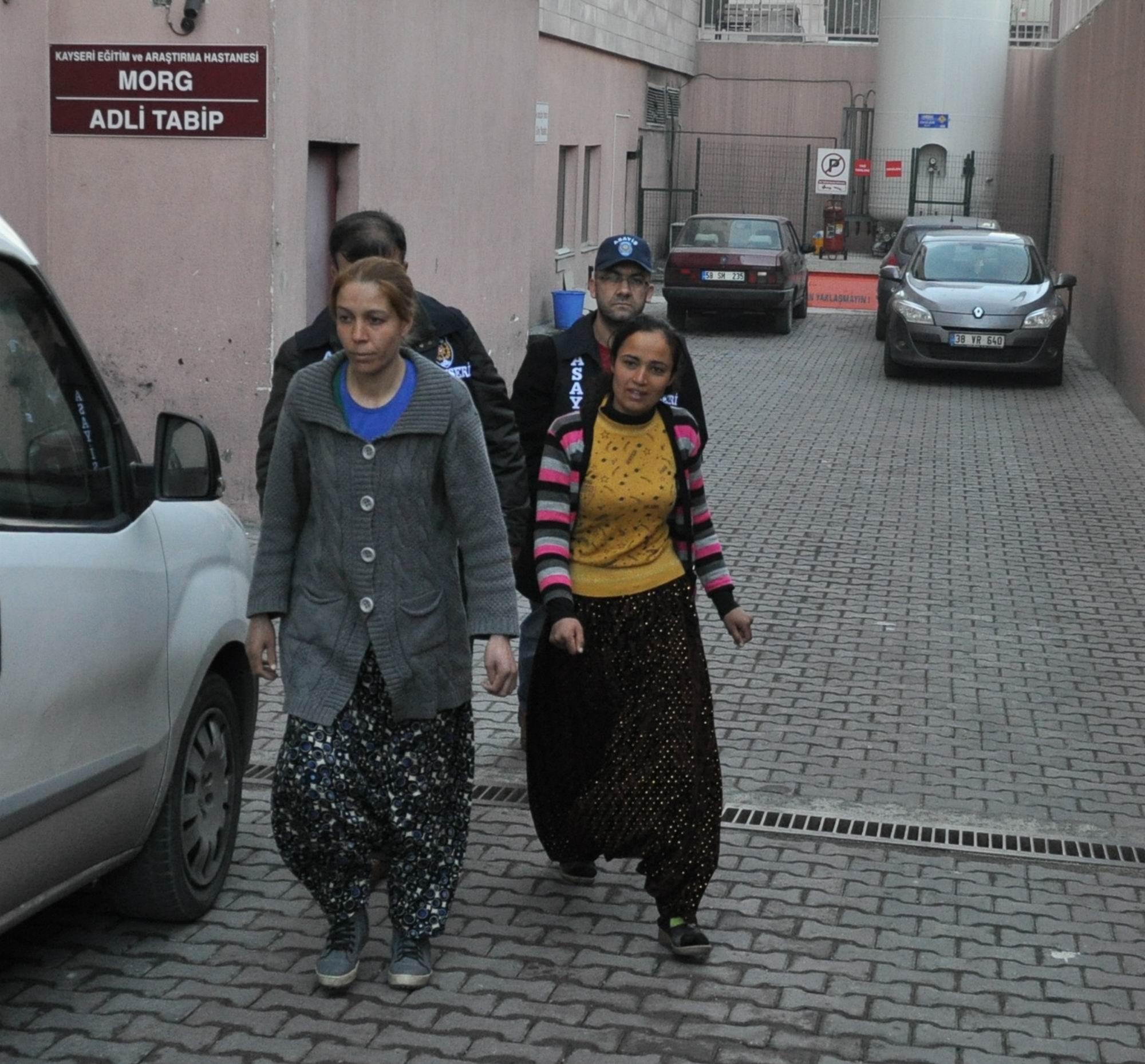 KAYSERİ'DE EVLERE GİREN HIRSIZ KADINLAR YAKALANDI