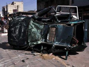 Kayseri'de kağıt parçasına dönen otomobil 1:ölü
