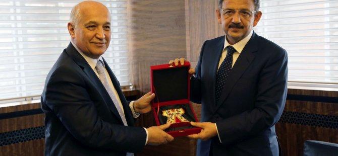 Başkan Özhaseki'den övgüyle bahsettiklerini söyledi