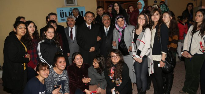 Özhaseki Talas'ta öğrencilerle buluştu